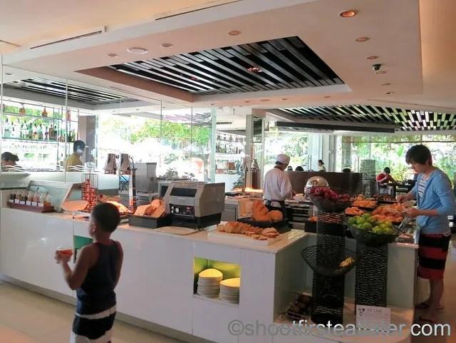 Shangri-La Mactan breakfast buffet at Tides-003