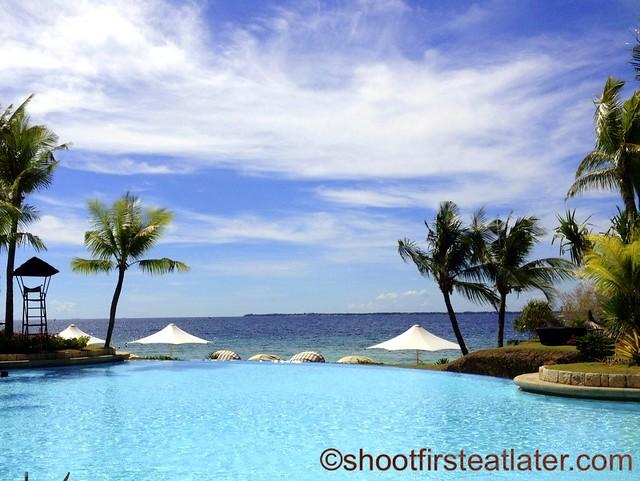swimming pool at Ocean Wing, Shangri-La Mactan-001