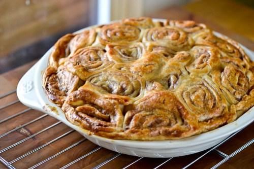 Cinnamon Bun Apple Pie-10