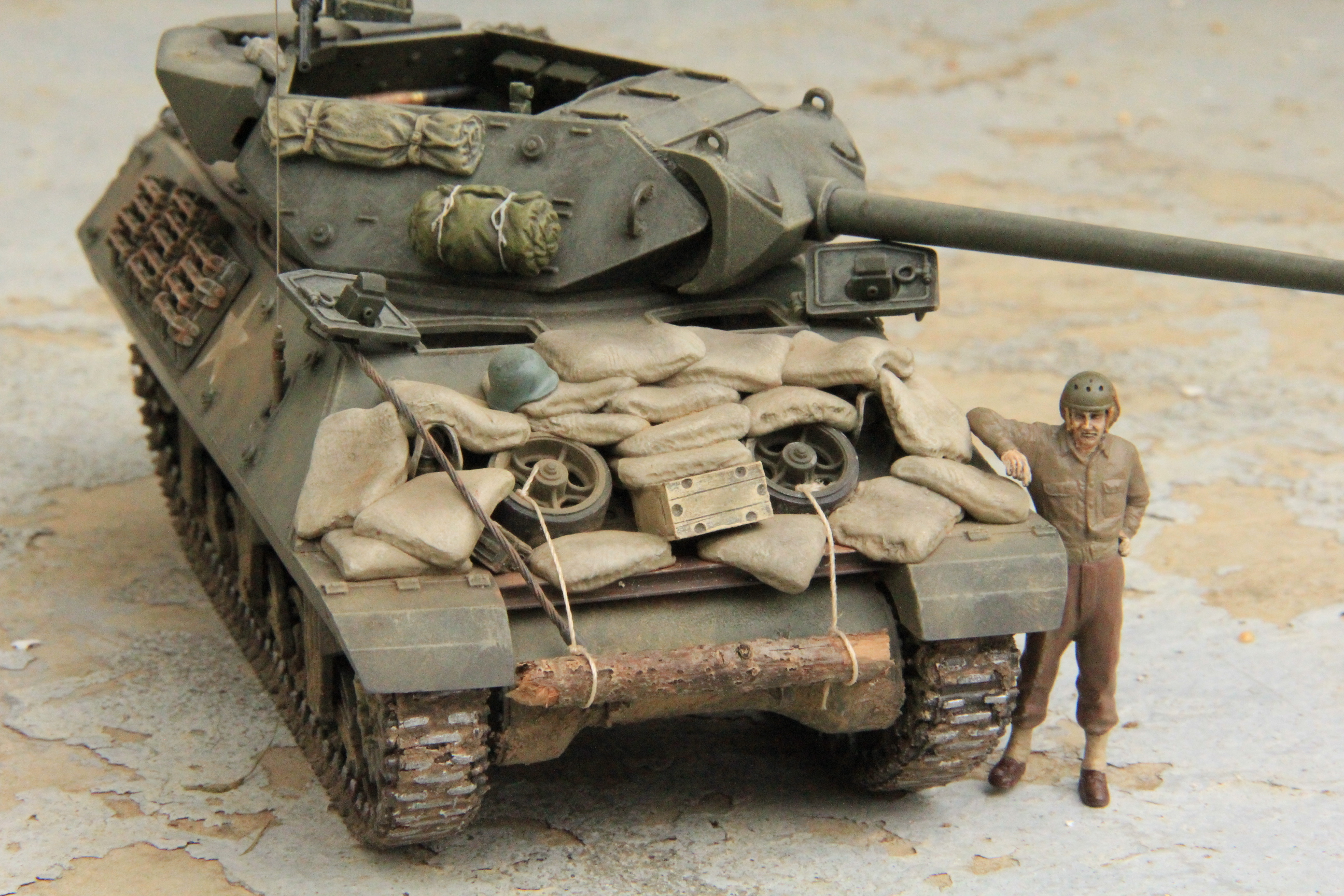 Acadamy S 1 35 M10 Tank Destroyer Finescale Modeler Essential Magazine For Scale Model - M10