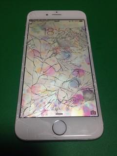 84_iPhone6のフロントパネルガラス割れ
