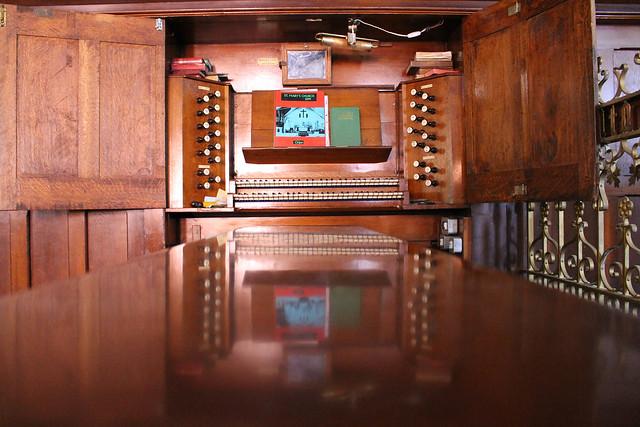 Big pipe organ
