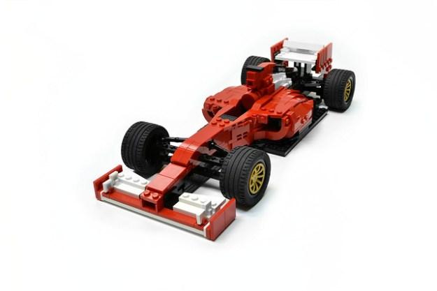 Ferrari F14 T (1)