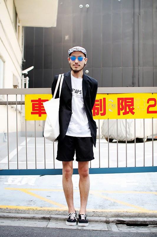 Drop Tokyo Street Style - Area- Harajuku,Tokyo | 原宿,東京 Name- Kazuki Iwabuchi | 岩淵一貴 Jacket- Acn