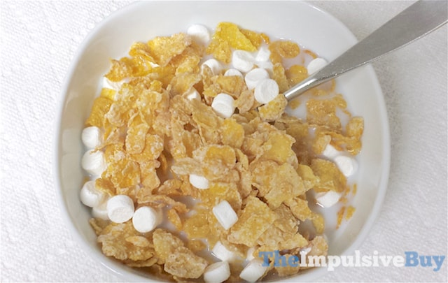 Kellogg's Frosted Flakes with Marshmallows Cereal 3