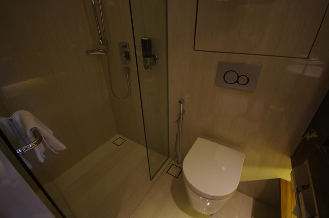 bathroom - holiday inn express singapore clarke quay