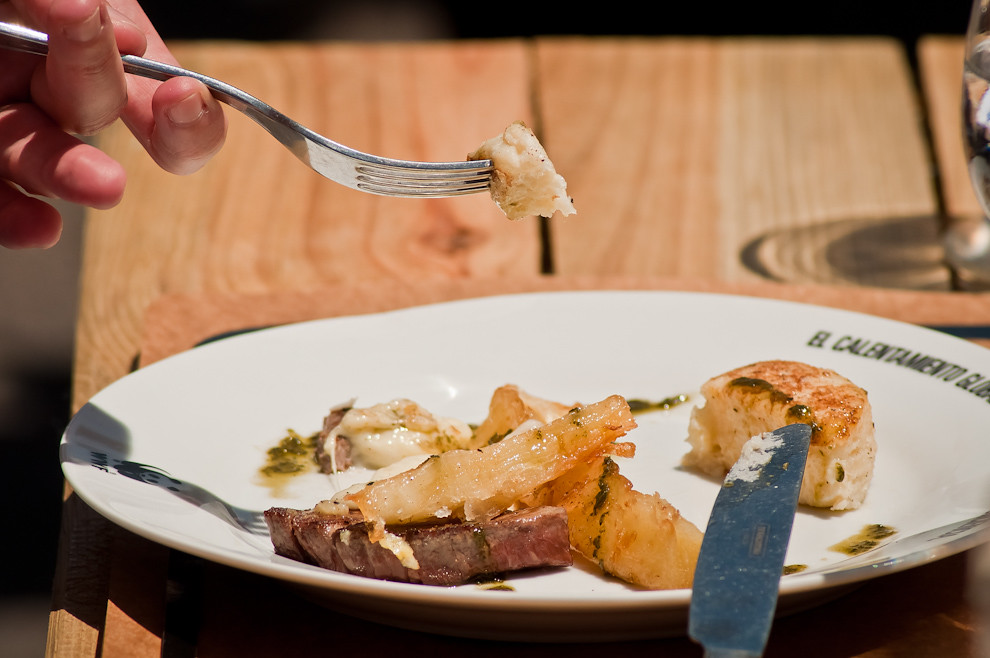 También los platos típicos se hicieron presentes, el famoso mandi'o chyryry con queso paraguay. (Elton Núñez)
