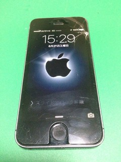 114_iPhone5Sのフロントパネルガラス割れ