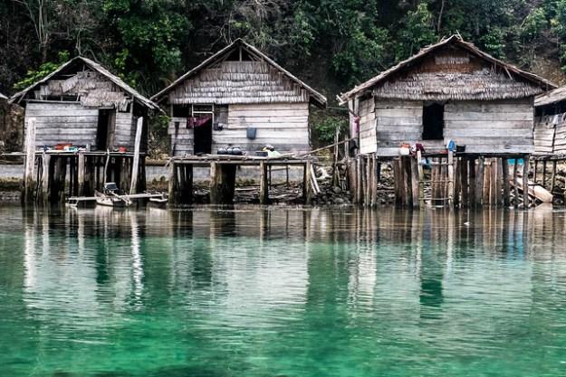 Stilt village near Wakai.