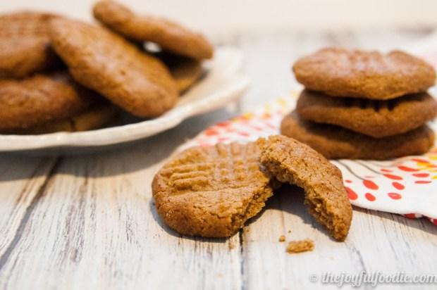 almond-butter-cookies-3