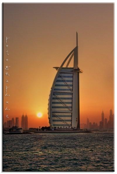 Burj Khalifa, 1 Sheikh Mohammed bin Rashid Blvd - Dubai - United Arab Emirates Sunrise Sunset Times