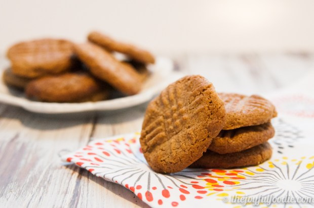 almond-butter-cookies-2