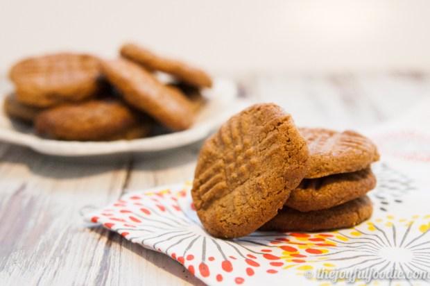 almond-butter-cookies-2