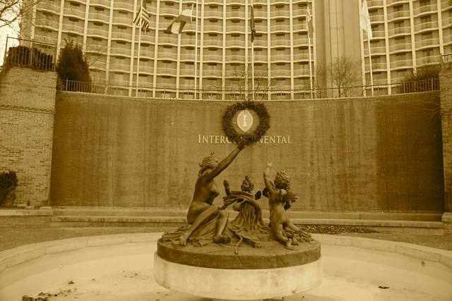Intercontinental Statue at Country Club Plaza, Kansas City, MO