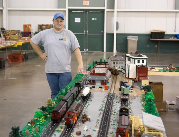 Red Lion Station in LEGO 001