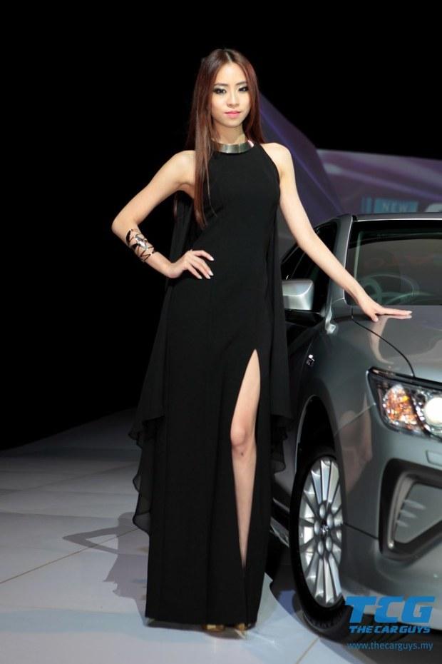 2015 Toyota Camry (5)