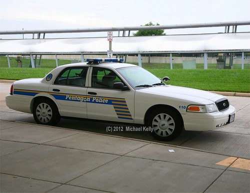 Pentagon Police Ford Crown Victoria - a photo on Flickriver