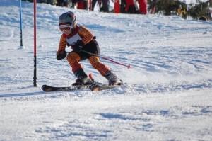 Concurs de schi pentru copii, în Poiana Brașov