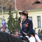FOTO VIDEO Spectacol superb în Cetatea Brașovului. Mii de oameni au venit să vadă junii călări