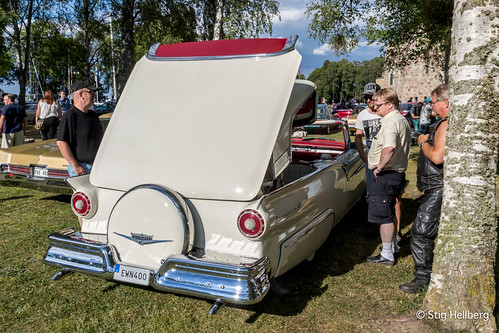 """Ford Fairlane Skyliner 1957 • <a style=""""font-size:0.8em;"""" href=""""http://www.flickr.com/photos/54582246@N08/27893792623/"""" target=""""_blank"""">View on Flickr</a>"""