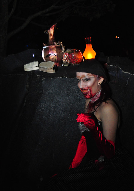 "Halloween Horror Nights 22's ""Horror Unearthed"" game.  Photo by HHN Yearbook."