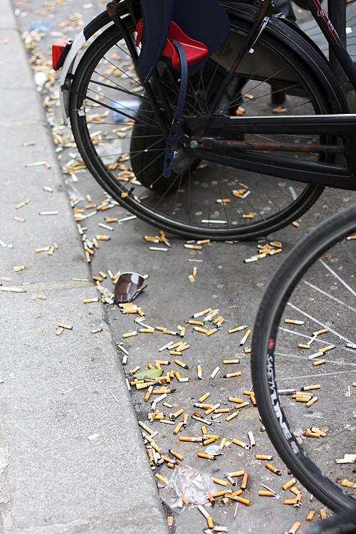 cigarette butts in paris
