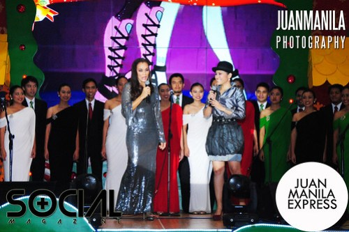 Ms. Kuh Ledesma and Isabella performs with the UP Singing Ambassadors (at the back).