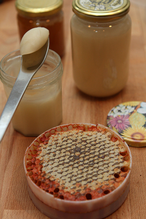 unfiltered honey and honeycomb
