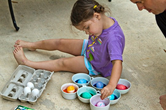 dying eggs