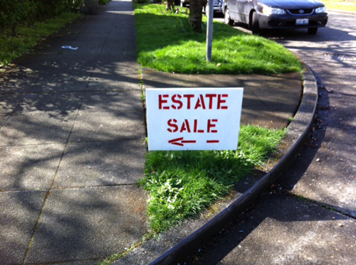 Estate sale sign