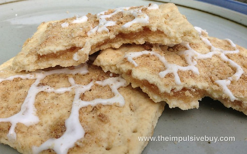 Kellogg's Limited Edition Frosted Apple Cinnamon Muffin Pop-Tarts Closeup