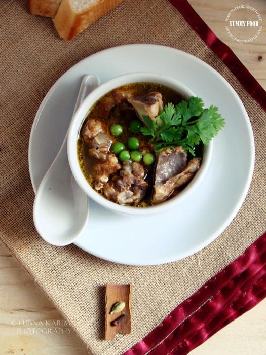 Nihari - Spicy Soup with Tender Lamb Bones