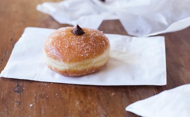 bomboloni (donut)