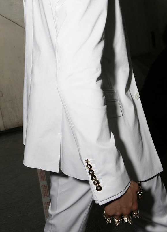 TUUKKA13 - INSPIRATION MOOD BOARD: ALL WHITE EVERYTHING - Givenchy