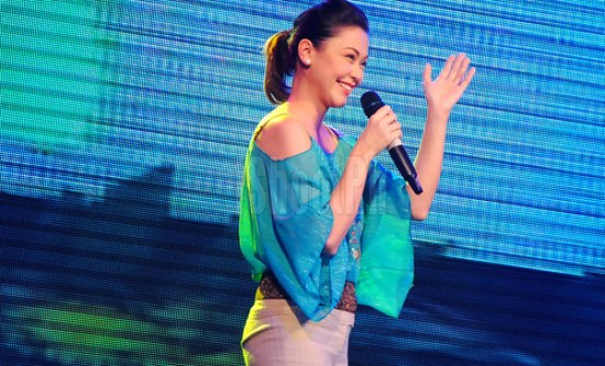 Jodi Sta. Maria waves at her fans inside the city coliseum.