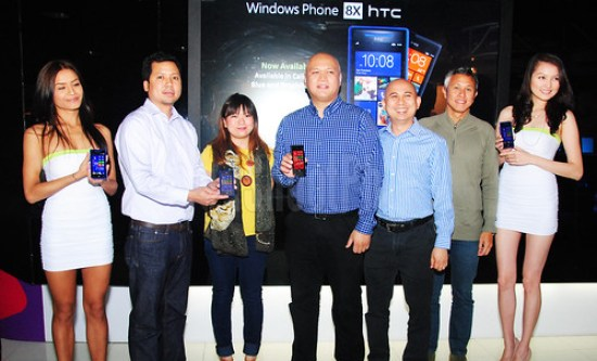 Windows Phone 8X by HTC launch at SMART Jump Center in SM Megamall presented by HTC Philippines Country Manager Richard Javier, HTC Marketing Francisco Torno III, HTC Product Manager Nicole Limchiu, SMART Communications and Microsoft Philippines.