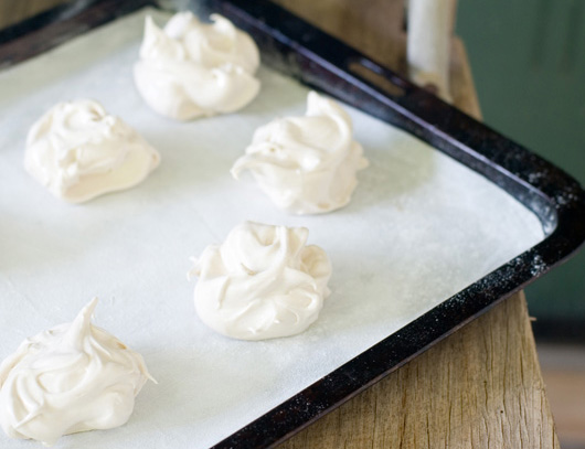 Brown Sugar Meringues Recipe