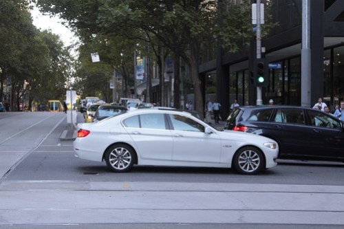 Dickhead in a BMW enters the intersection despite having no way out