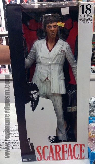 White Suite Scarface 18 inch FIgure_001