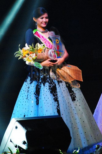 Bb. Lungsod ng Batangas 2013 Venus Subol (2nd runner-up).