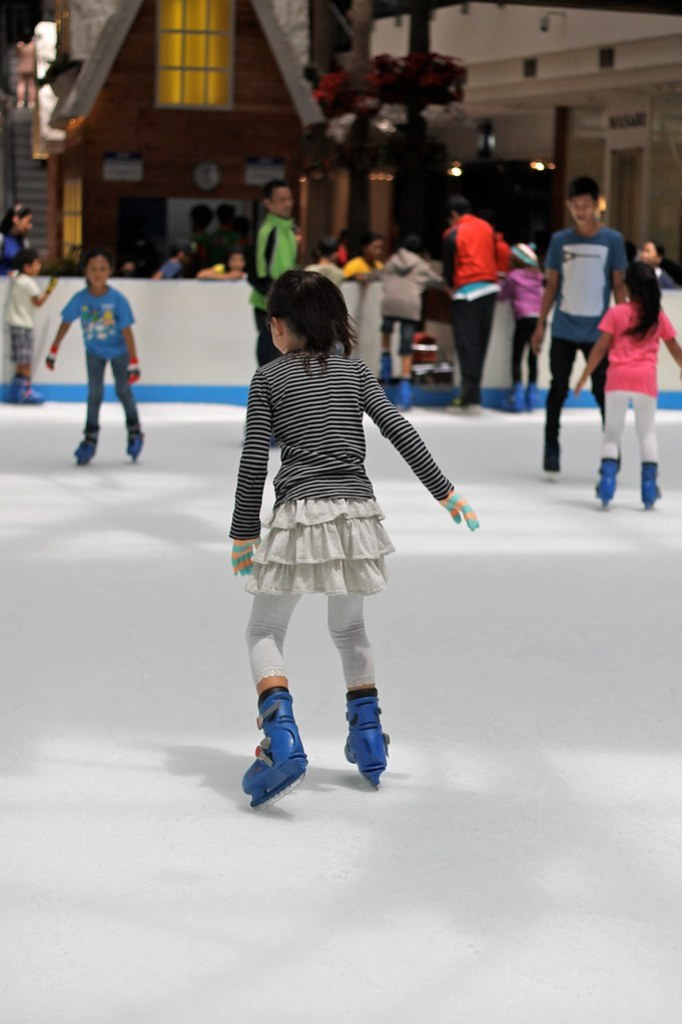 Ice Skating Pondok Indah Mall 2 12