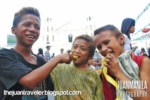 Eating suman is more fun in the Philippines!