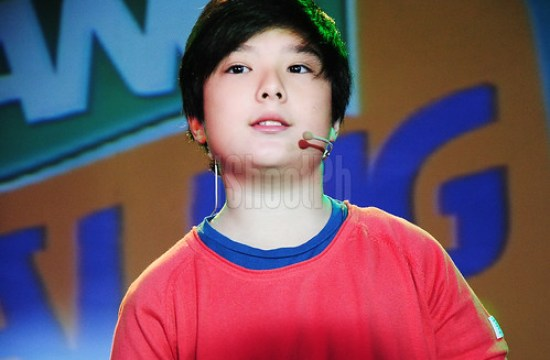 Just like his dad, Arkin Magalona also empowers unique traits that qualifies this young boy as TANG Galing Mo Kid! hero. Proud mother, Pia Magalona, was seen watching her son Arkin with the audience during the event last February 26, 2013.