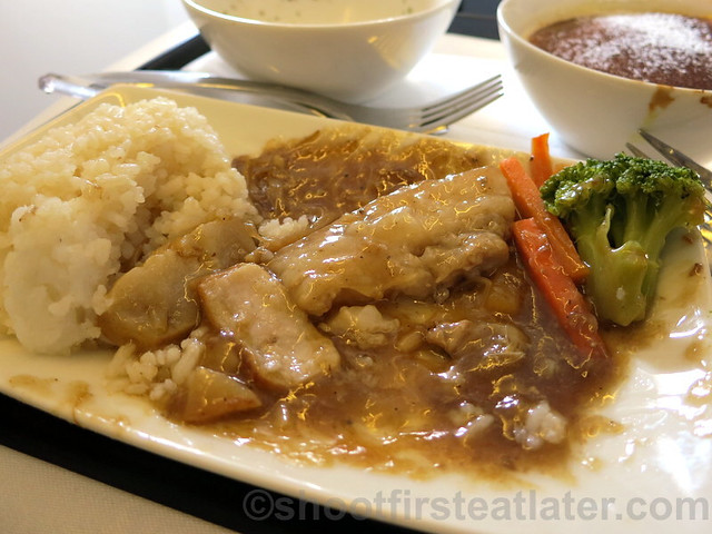 Philippine Airlines Business Class meal Mnl-Hkg-Mnl- paksiw na lechon kawali with lemongrass steamed rice-001