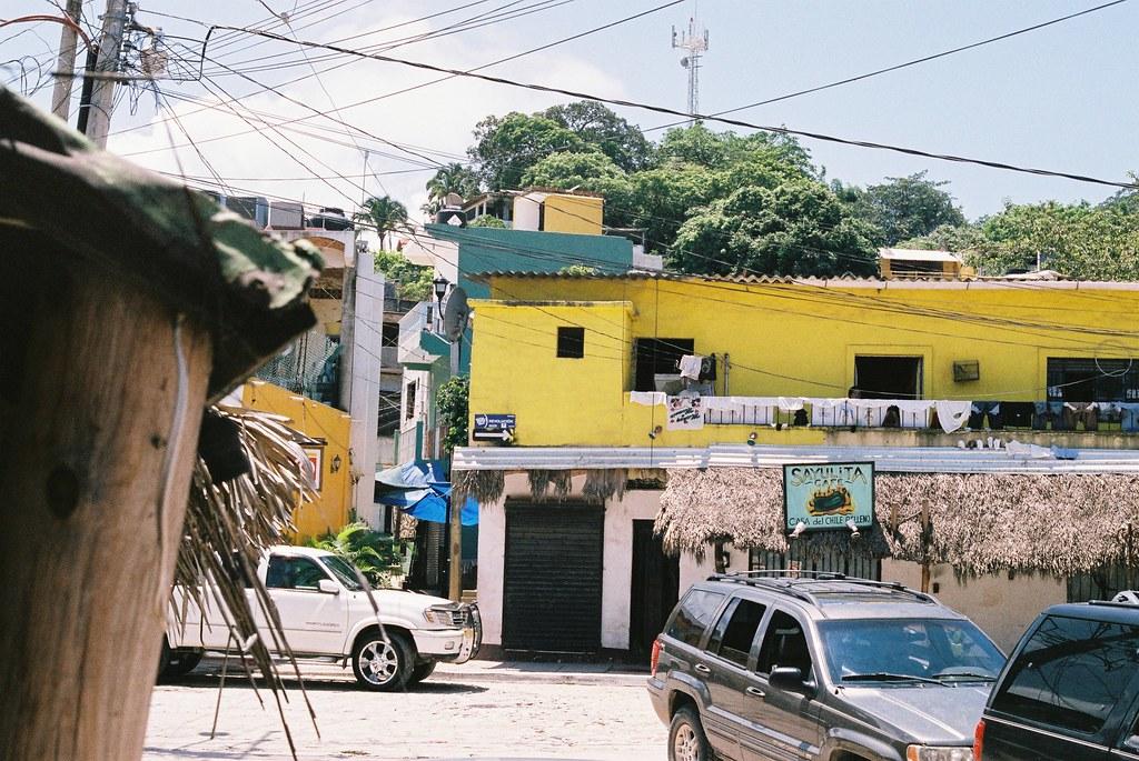 Tuukka13 - 35mm Color Film - 08/2012 - Sayulita, Mexico - Canon AE-1  - 000052