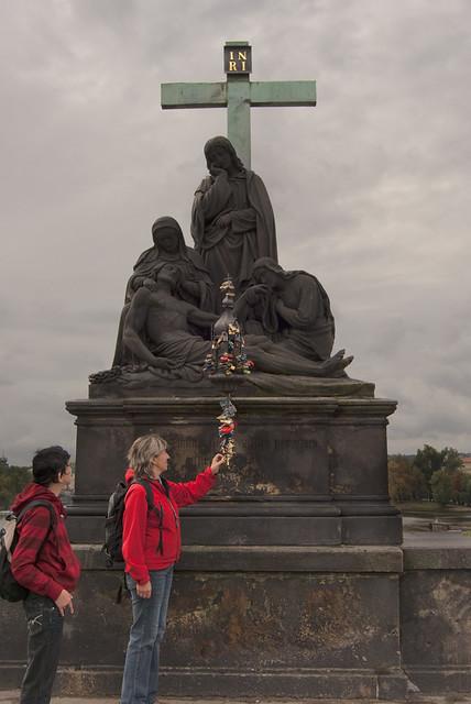 Candados en las estatuas