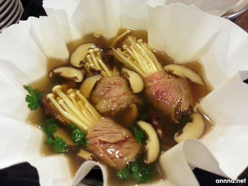 Maju Palace Double Boiled Superior Soup with Beef and Enoki Mushrooms