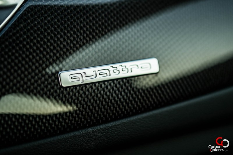 2013_Audi_S6_quattro_badge.jpg
