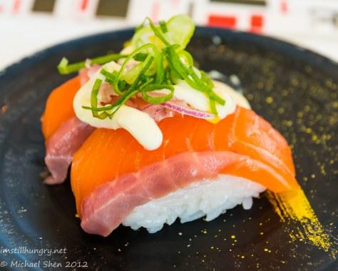 Takumi salmon nigiri