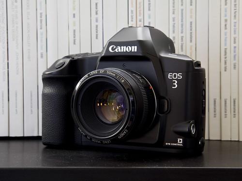 Canon EOS 3 w/ EF 50mm f/1.8 mk I